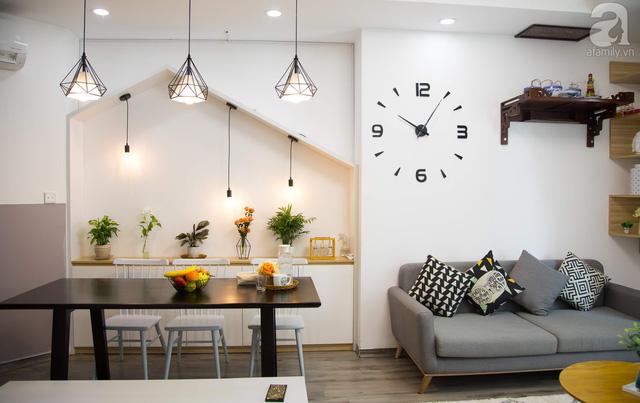Hệ thống đèn được thiết kế và bài trí khéo léo tăng sáng cho không gian ăn uống.