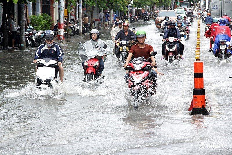 Thời tiết 7/8: Áp thấp nhiệt đới mạnh dần lên gây mưa lớn khắp cả nước