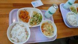 Nhật Bản: Giáo dục trẻ em từ bữa ăn trưa