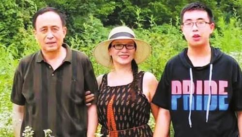 Bao Han là niềm tự hào của cha mẹ khi trở thành tân sinh viên.