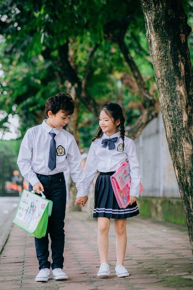Ngắm nhìn những khoảnh khắc hồn nhiên, trong sáng của đôi bạn thân Trần Huy Minh Đăng và Nguyễn Bảo Châu khiến những mỏi mệt đời sống thường nhật bỗng tan biến.