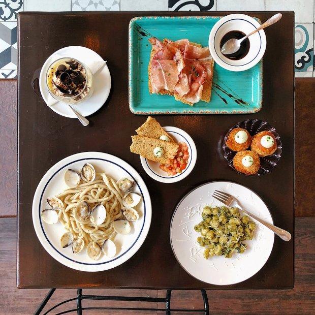 Food blogger @iamafoodtester cũng đã khen nức nở Gnocchi và Tuscan với nước sốt độc quyền của anh đầu bếp người Ý ở quán