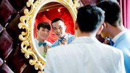 Cặp đôi đồng tính nam yêu nhau từ cái nhìn đầu tiên khiến dân mạng xôn xao vì ảnh cưới lãng mạn