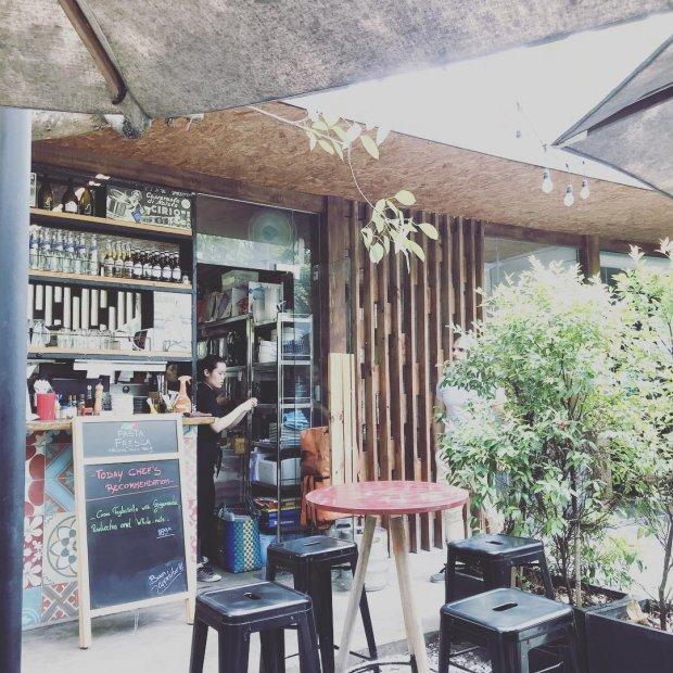 Không gian được bao phủ bởi cây xanh tại Pasta Fresca Thảo Điền (Ảnh: @ivypham1987 )