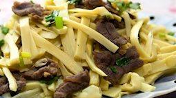 Đổi món tối cuối tuần cho gia đình siêu nhanh với món măng xào thịt bò