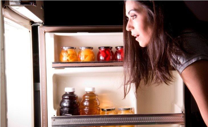 luôn chuẩn bị một số công thức nấu ăn đơn giản và nhớ lấp đầy tủ lạnh khi cần thiết hình ảnh