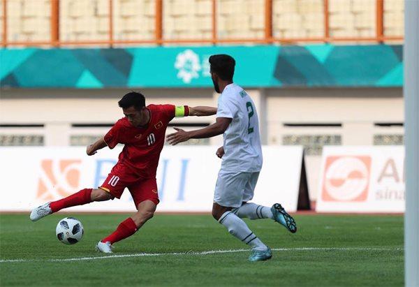 Công Phượng 2 lần đá hỏng phạt đền, Việt Nam vẫn thắng đậm Pakistan ở trận mở màn Asiad