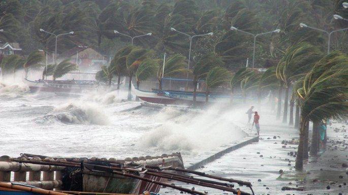 Thời tiết 16/8: Bão Bebinca đã vào Vịnh Bắc Bộ, gây mưa lớn toàn miền Bắc