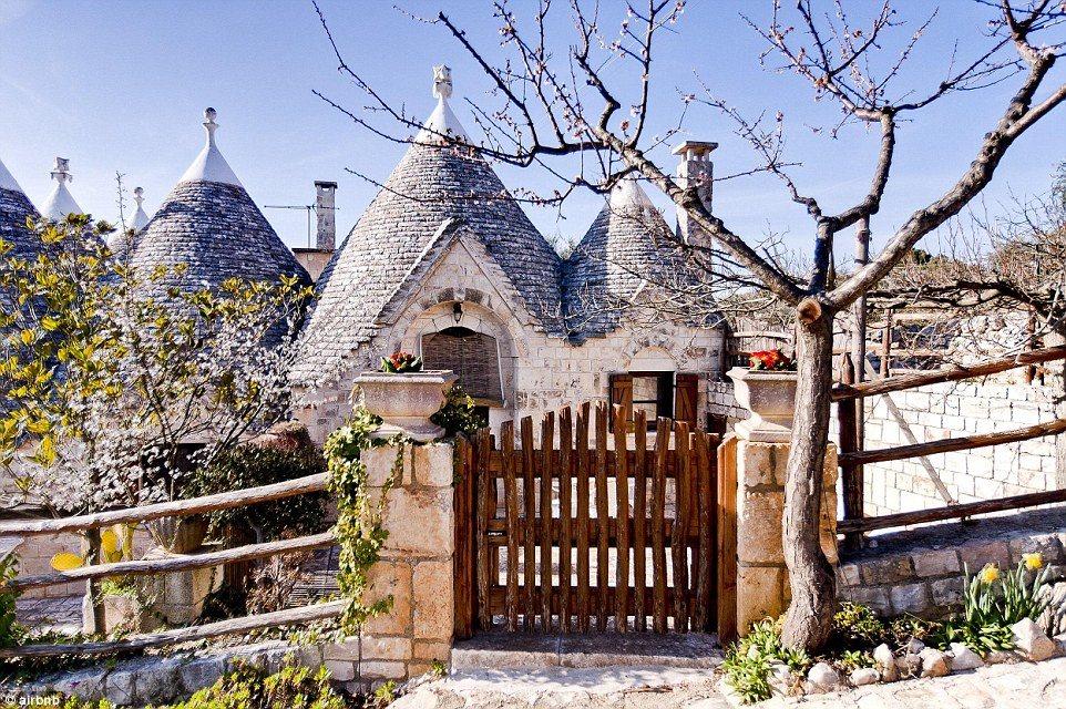 Top 10 nhà nghỉ đẹp mê hồn ai cũng muốn được 1 lần thử sống trong đời