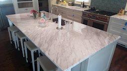 Những điều cần lưu ý trước khi mua bàn đá cẩm thạch trong nhà bếp