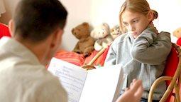 Bé học tiếng Anh lớp 1 thường gặp khó khăn gì, cha mẹ đọc ngay để có biện pháp dạy con hiệu quả