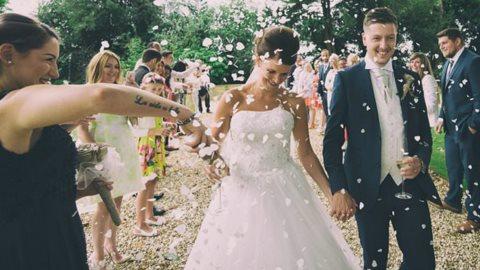 Tiệc cưới ngoài trời và những lưu ý không thể bỏ qua để có một buổi lễ thật ấn tượng!