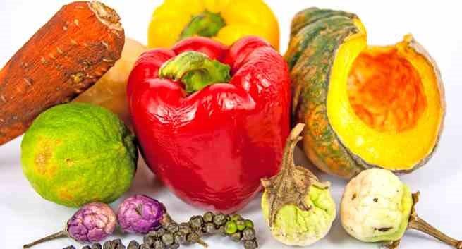 Thực phẩm ôi thiu và bị mốc chứa rất nhiều độc tố và vi khuẩn gây hại hình ảnh