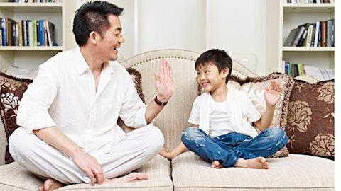 Nguyên tắc khen con: Khen như thế nào khiến trẻ càng vui càng ngoan?
