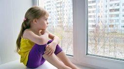 Trẻ có thể ở nhà một mình an toàn ở độ tuổi nào?