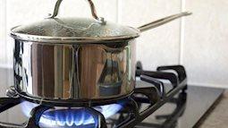 Xem và phòng tránh: Nguy cơ cháy nổ từ việc sử dụng bình gas nhà nào cũng mắc phải