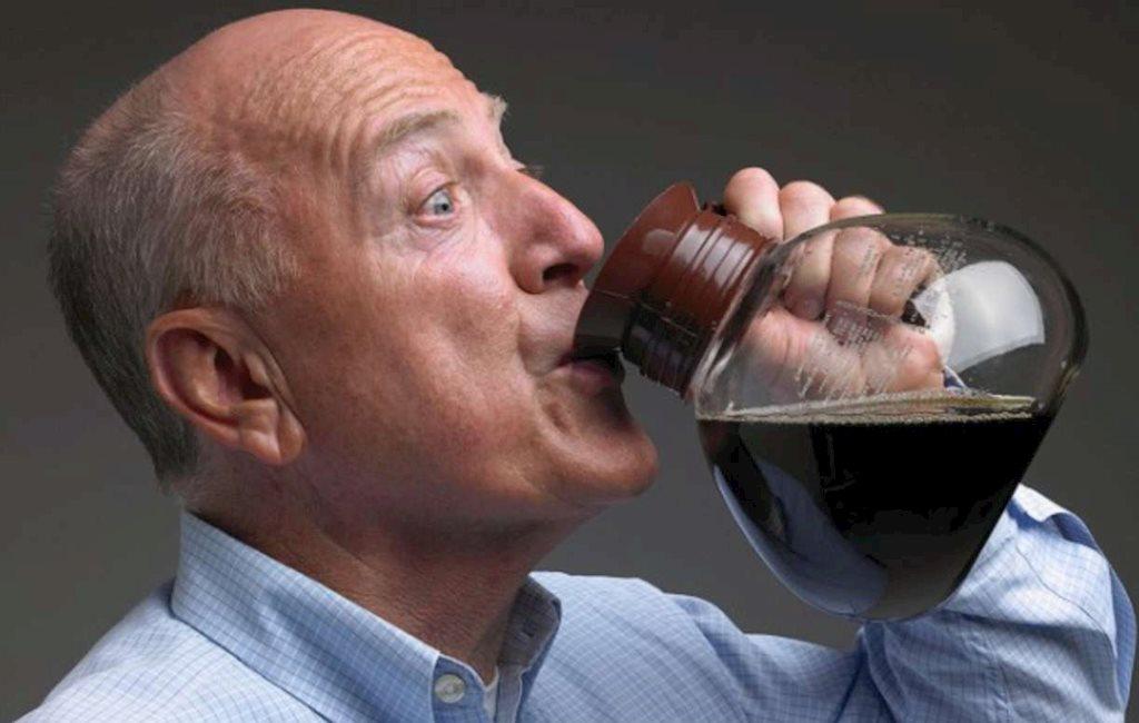 Uống 6 ly cà phê mỗi ngày – quá nhiều nhưng lại giúp bạn sống lâu hơn