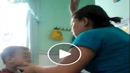 Phụ huynh bức xúc các bảo mẫu đánh trẻ tại nhóm giữ trẻ Sắc màu tuổi thơ