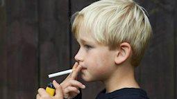 Đáng báo động về độ tuổi hút thuốc lá ở trẻ vị thành niên