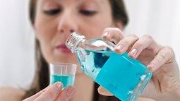 Dùng nước súc miệng 2 lần mỗi ngày làm tăng 50% nguy cơ mắc bệnh tiểu đường