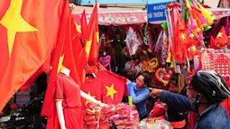 Choáng với thu nhập của những cửa hàng bán băng rôn áo cờ đỏ sao vàng phục vụ chung kết U23 Việt Nam