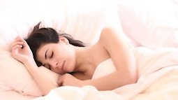 Không chỉ cải thiện giấc ngủ, khỏa thân khi ngủ còn mang đến cho bạn nhiều lợi ích về làm đẹp và giảm cân