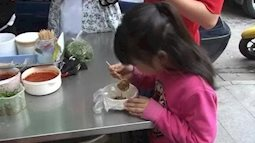 """Trứng vịt lộn- kẻ """" thủ ác"""" âm thầm khiến bé gái 5 tuổi dậy thì sớm"""