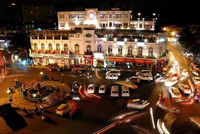 Lung linh chợ trung thu phố cổ Hà Nội