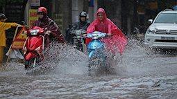 Trưa và chiều nay siêu bão Mangkhut sẽ vào biển Đông, Việt Nam khẩn trương ứng phó, Quảng Ninh cấm biển