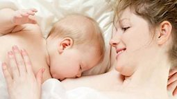 Muốn sống lâu hãy cho nuôi con bằng sữa mẹ