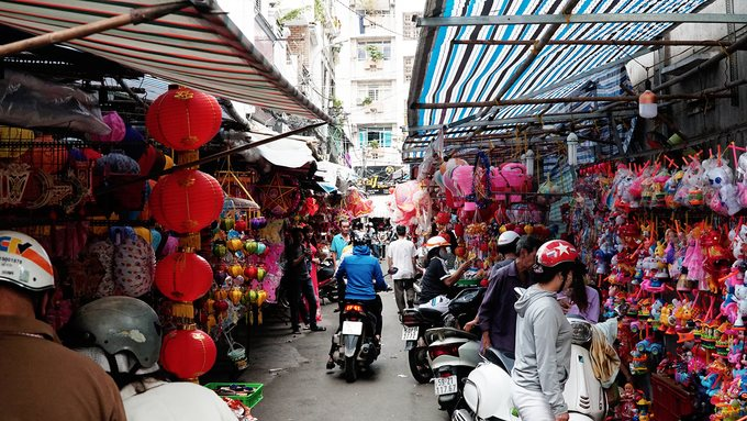 Lung linh phố đèn lồng Sài Gòn vào dịp trung thu