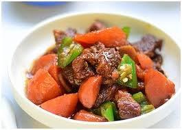 Nạm bò rim cà rốt cho bữa tối vừa ngon miệng vừa ấm cúng