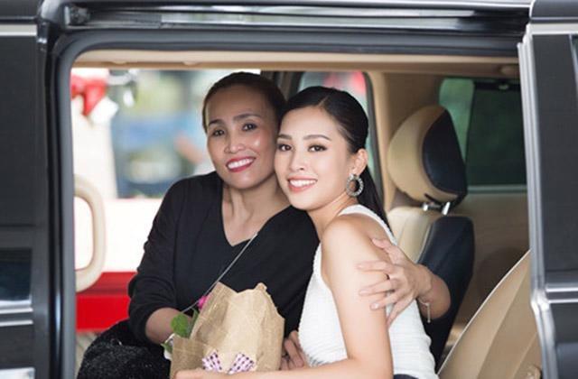 Ngắm vẻ ngoài giản dị, trong sáng của Hoa hậu Trần Tiểu Vy khi về thăm cha mẹ ở Hội An