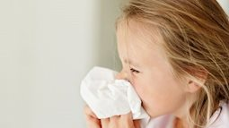 Thông tin vi rút lạ khiến 20 trẻ nhập viện chỉ là vi rút gây bệnh hô hấp, cha mẹ đừng quá lo lắng