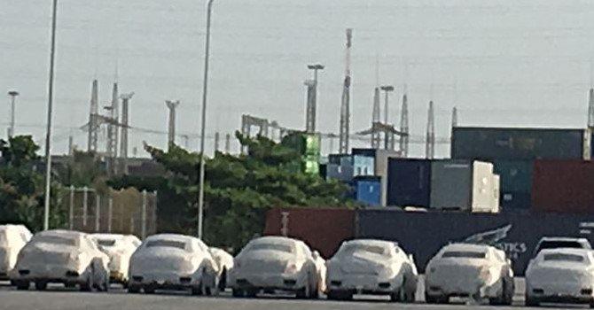 """""""Đập hộp"""" 4 siêu xe triệu đô bị tạm giữ tại cảng Hải Phòng"""