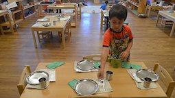 Dạy con theo phương pháp Montessori: Để con tự vận động làm những điều mình thích