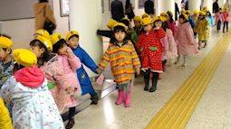 Học hỏi người Nhật dạy con luôn cư xử ngoan ngoãn nơi công cộng
