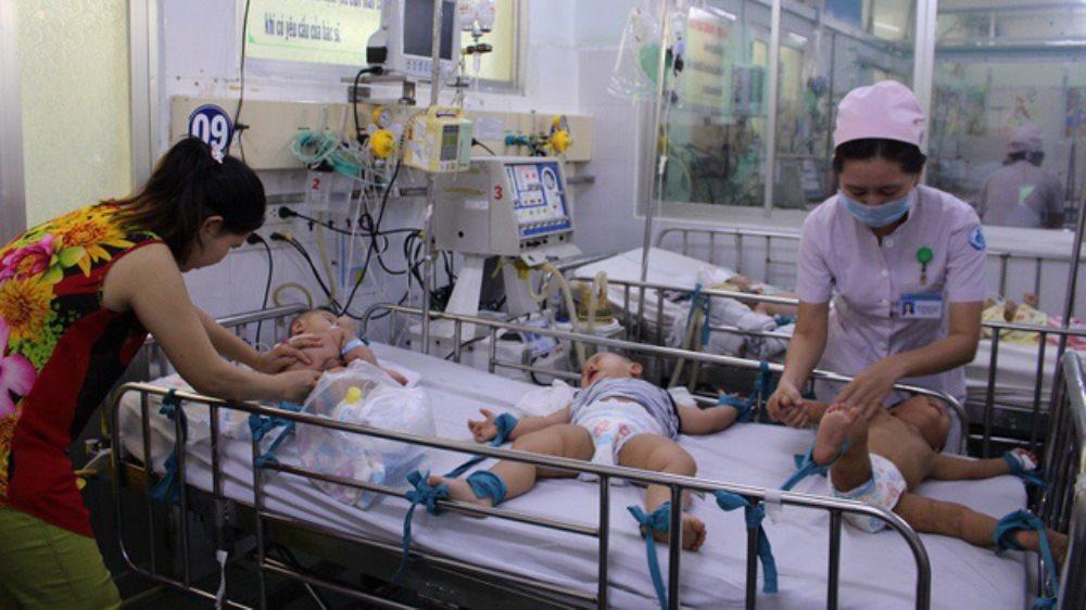 Dịch tay chân miệng lan rộng, tất cả trẻ nhỏ đối mặt với nguy cơ nhiễm bệnh