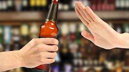 Tỷ lệ uống rượu ở giới trẻ ngày càng giảm: Khi bản lĩnh đàn ông không còn nằm trên ly rượu