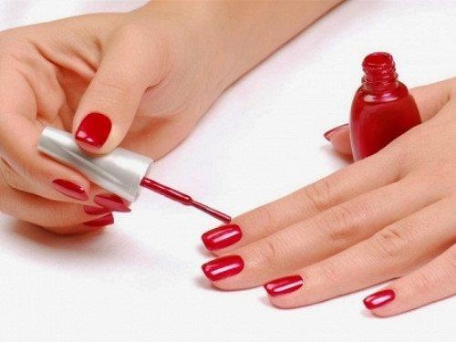 Cảnh báo: Nước sơn móng tay có thể gây ung thư, vô sinh và sẩy thai