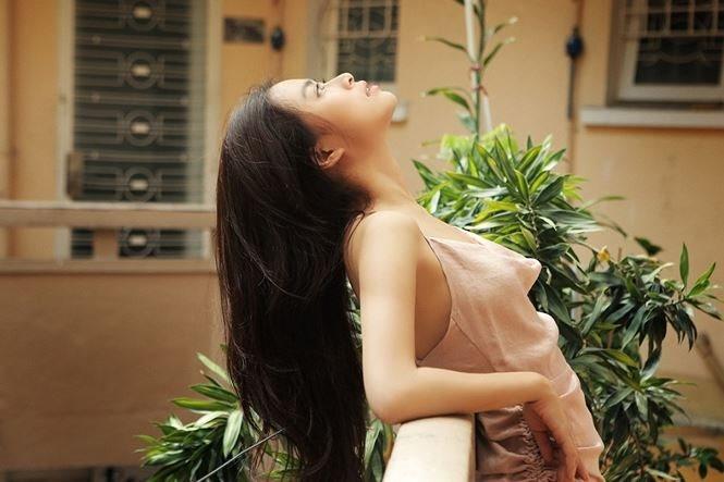 Hoàng Thùy Linh đốn tim fan với vẻ đẹp tự nhiên không kém phần gợi cảm