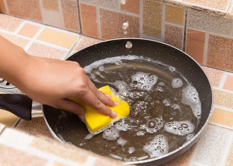 Bạn đã biết sử dụng chảo chống dính đúng cách?