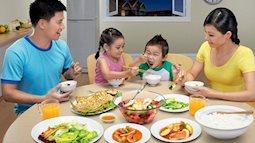 Thực hư hói quen ngàn đời ăn cơm chan canh gây hại cho dạ dày của người Việt