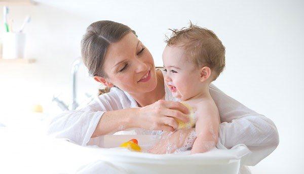 Các mẹ lưu ý phòng ngừa cảm cúm cho bé ngày lạnh