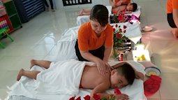 Có nên massage cho trẻ ở trường mầm non?