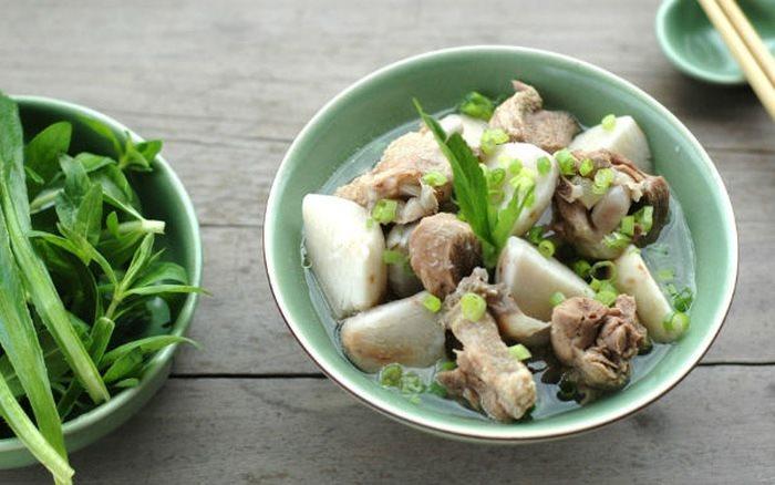 Vịt nấu khoai sọ - món ăn tuyệt vời cho những ngày âm u