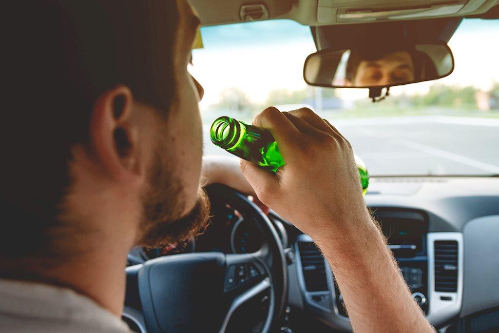 Rượu bia 'điều khiển' bộ não của chúng ta như thế nào?