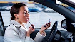 Nếu không muốn gây tai nạn, phụ nữ lái xe cần bỏ ngay những sai lầm này