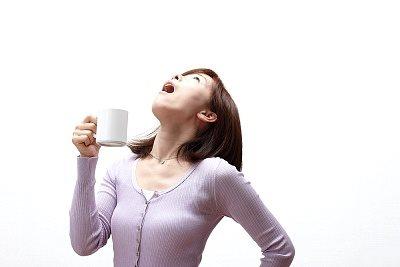 """Chỉ cần 1 chai nước muối pha loãng trong nhà, bạn có thể """"đánh bay"""" nhiều dịch bệnh giao mùa"""