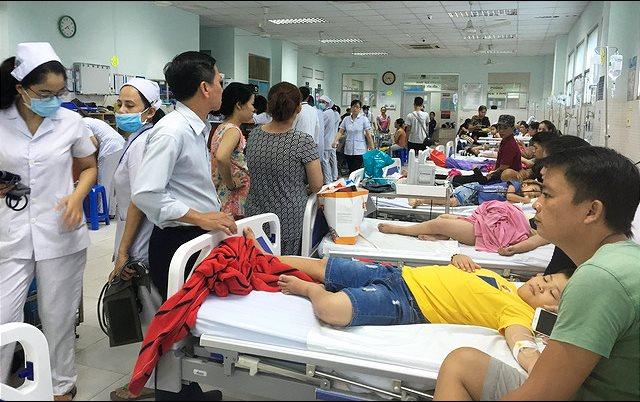 Sau khi ăn bánh mì dăm bông 38 trẻ bị ngộ độc phải nhập viện cấp cứu